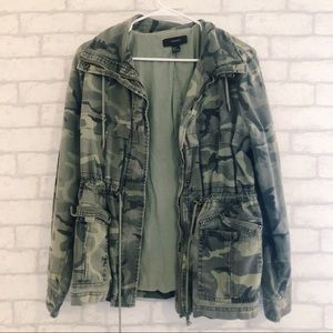 2 FOR 30 🌟 FOREVER 21 ARMY PRINT UTILITY JACKET
